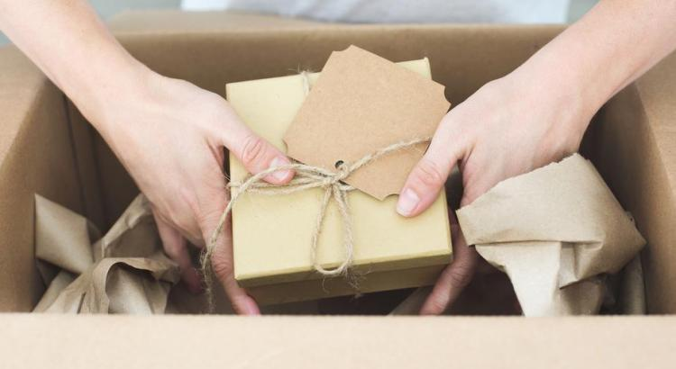 brown-packing-being-shipped_925x
