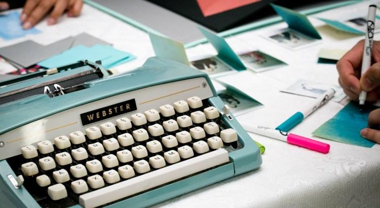 typewriter-1791834